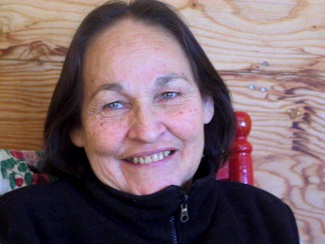 Joséphine BaconPoétesse originaire de Betsiamites, Josephine Bacon est aussi réalisatrice de films documentaires, parolière, auteure.